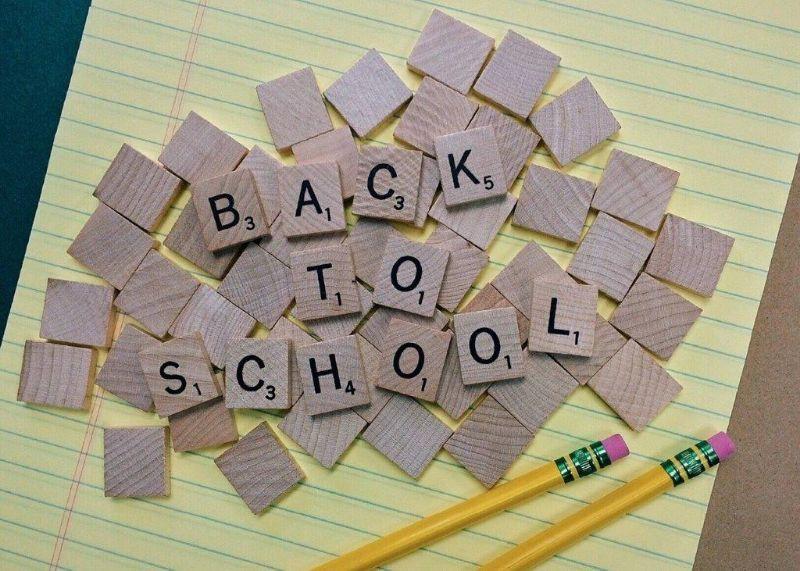 afbeelding met de tekst: terug naar school